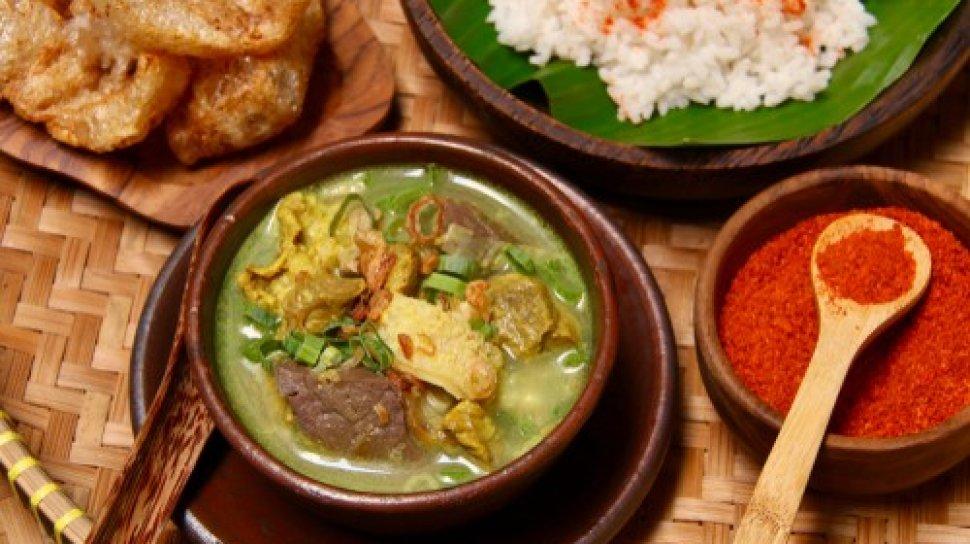 Empal Gentong Plato Tipico de Cirebon