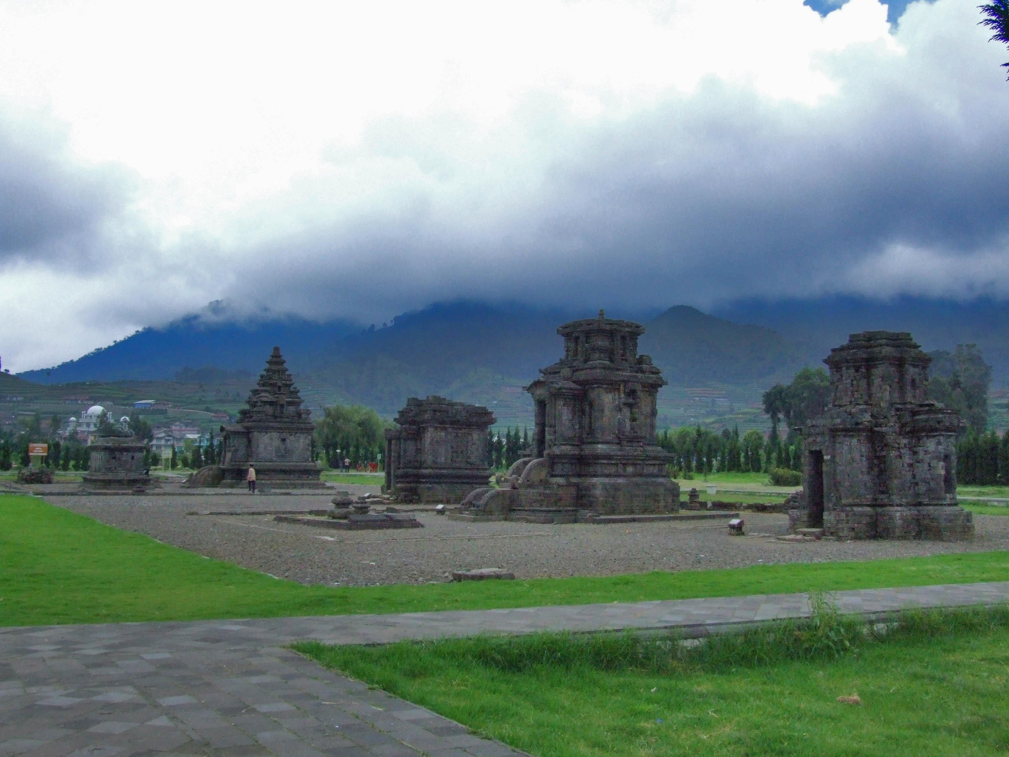 Templos de Arjuna, Meseta de Dieng, Java, Indonesia