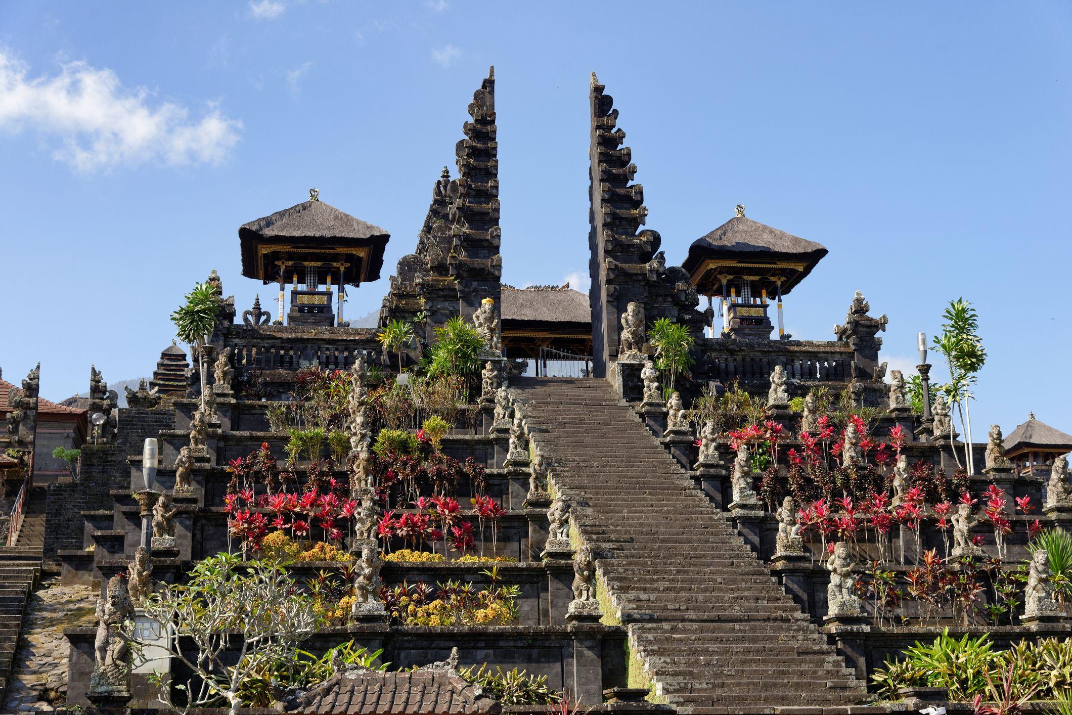 templo Pura  Besaki