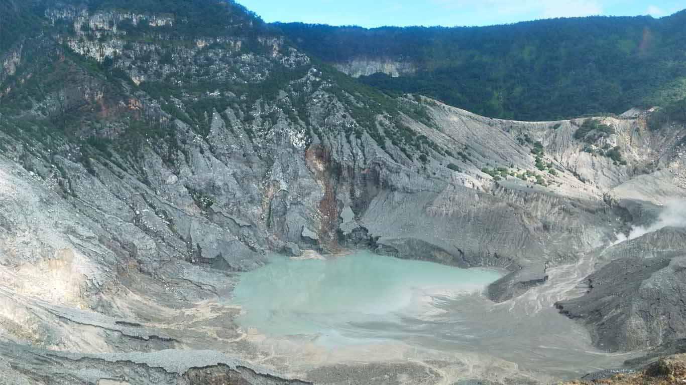 Craten de volcán Tangkuban Perahu