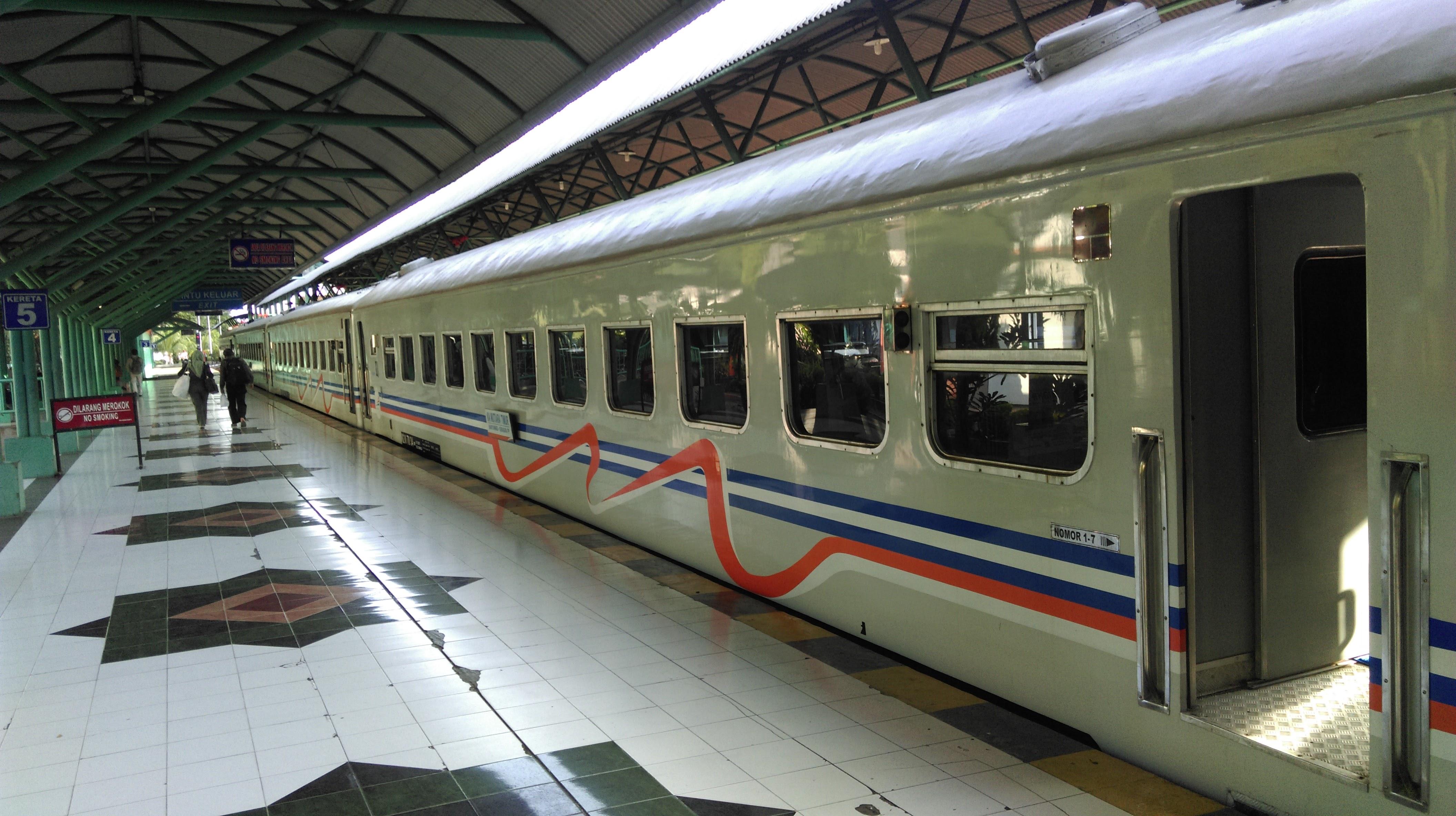 Viaje en tren en Indonesia