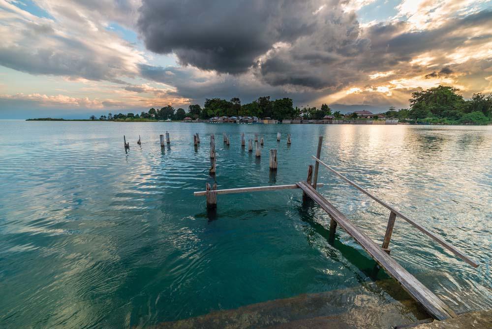 Lago de Arena Tentena, Indonesia