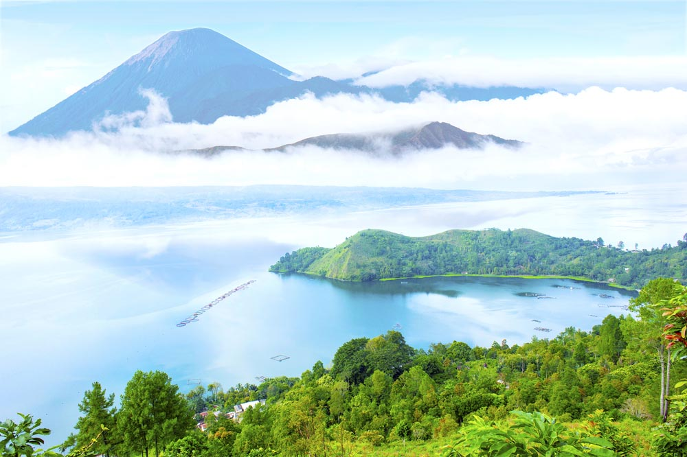 Localización en Sumatra: Berastagi y el Lago Toba