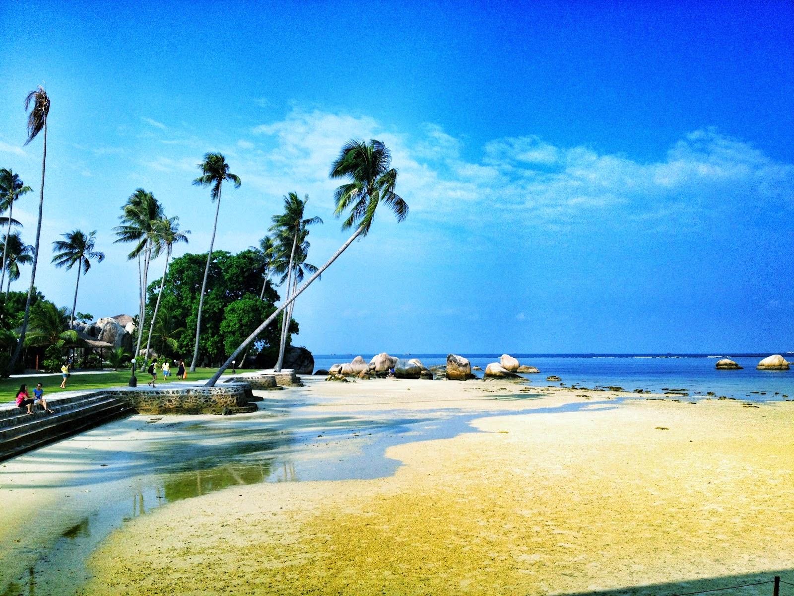 Playa de Trikora en la isla de Bintan, Indonesia