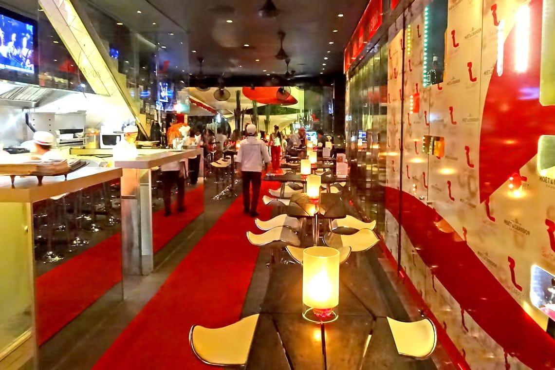 El Red Carpet Champagne Bar