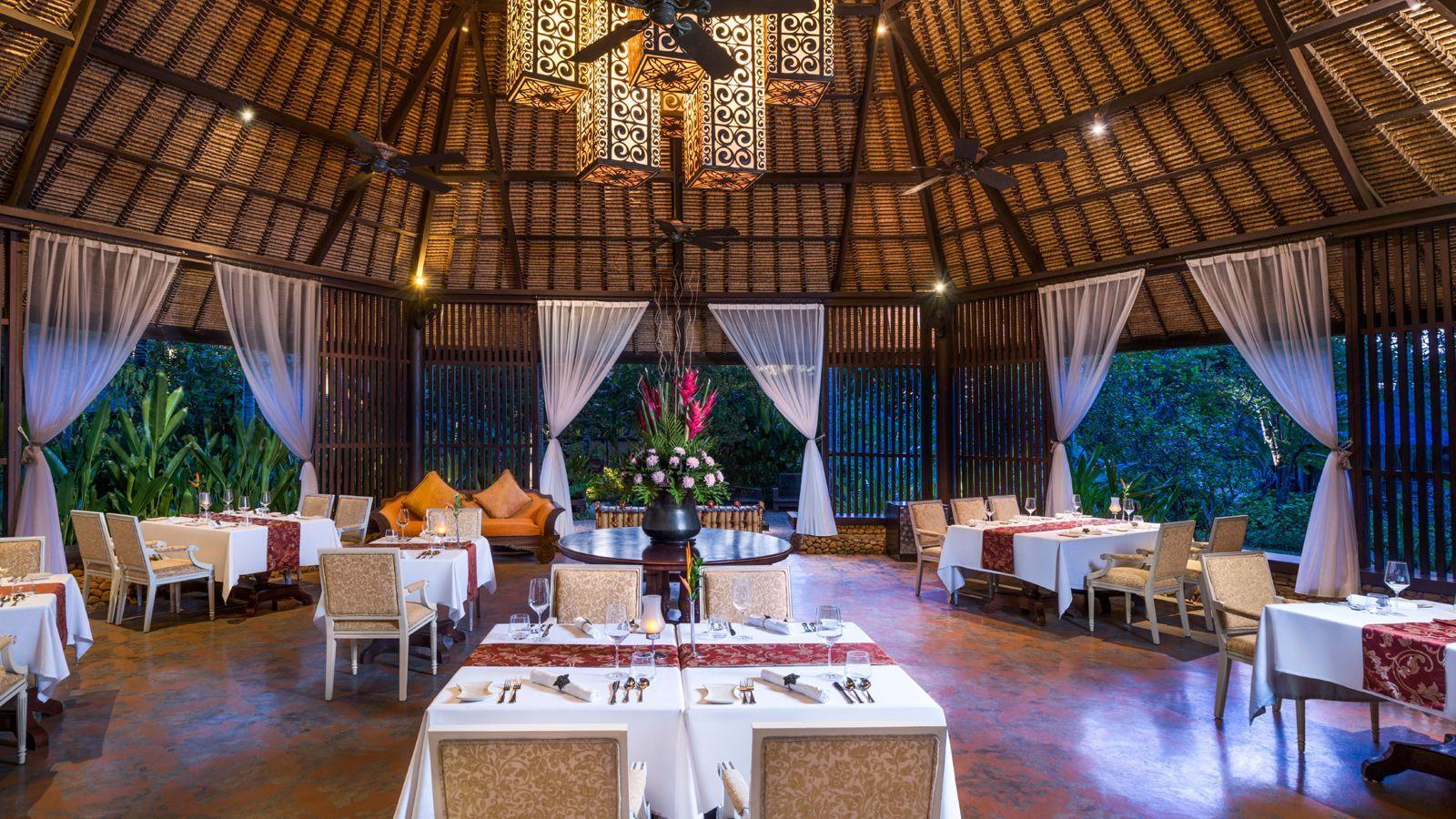 Restaurant Dulang Cafe, Kuta
