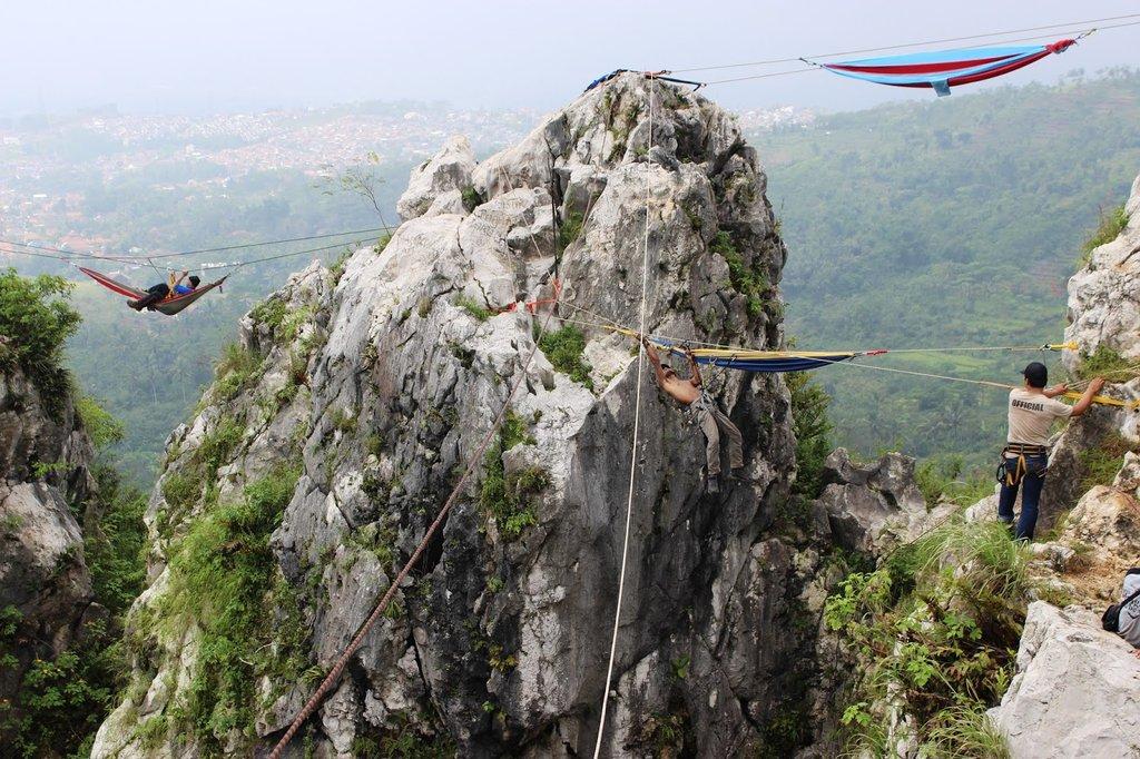 Acantilado de Tebing Gunung Hawu