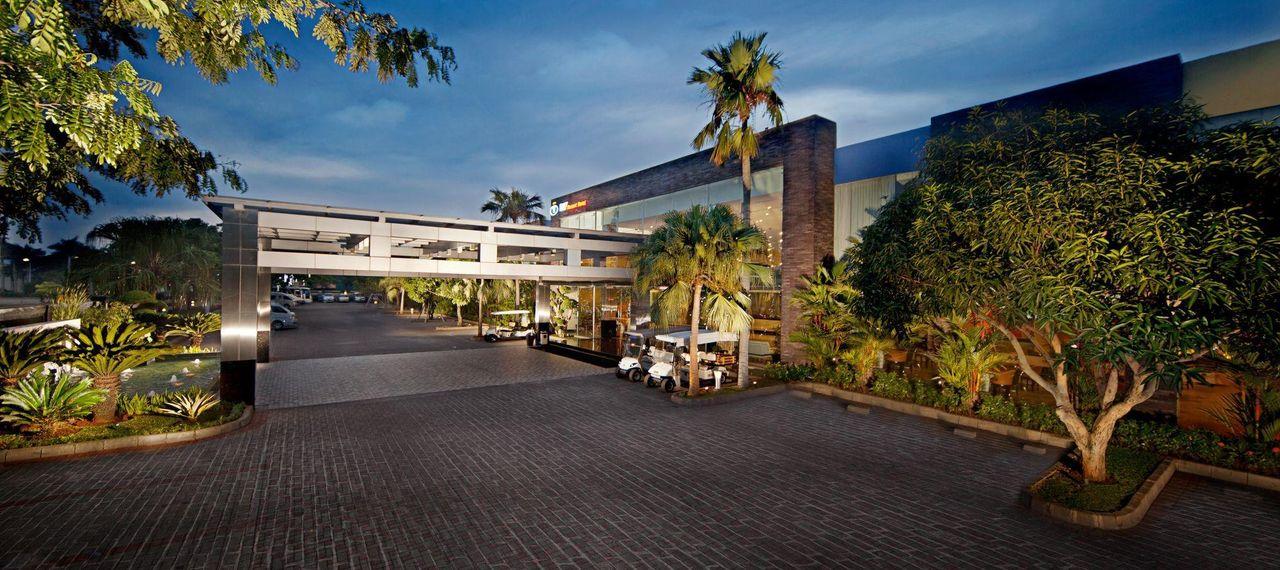 Hotel FM7 Resort Hotel