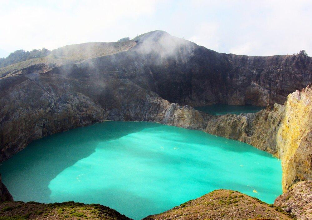 Lago Volcánico En indonesia
