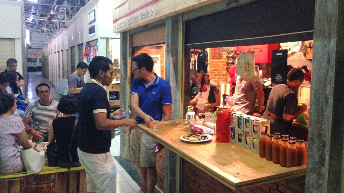 cafetería ABCD (A Bunch of Caffeine Dealers)