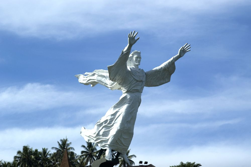 Estatua de Jesús en Indonesia