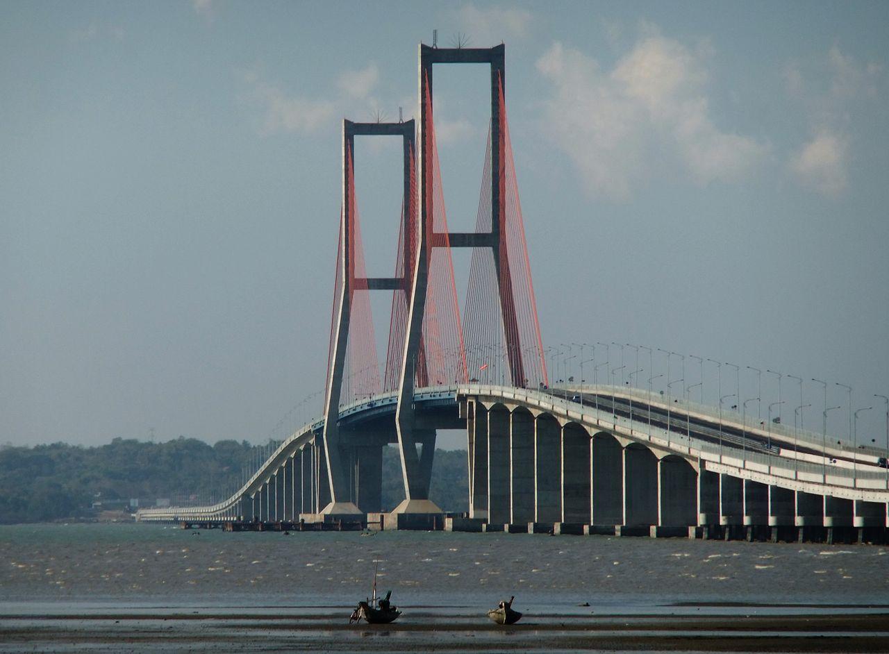 Puente nacional de Suramadu